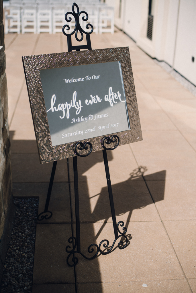 Bride_And_Groom_Welcome_Sign_Ideas_Toronto