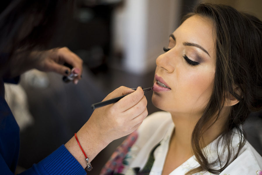 Bride_Getting_Ready_Thornhill_Ontario_Makeup_looks_Photography_Verveine_Studios